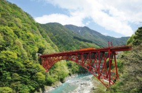 "Kurobe Gorge Railways, ""TOROKKO"" Train Photo"