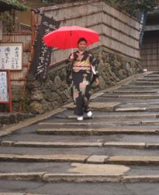 Walk the cobbled-stone streets of Higashiyama Photo